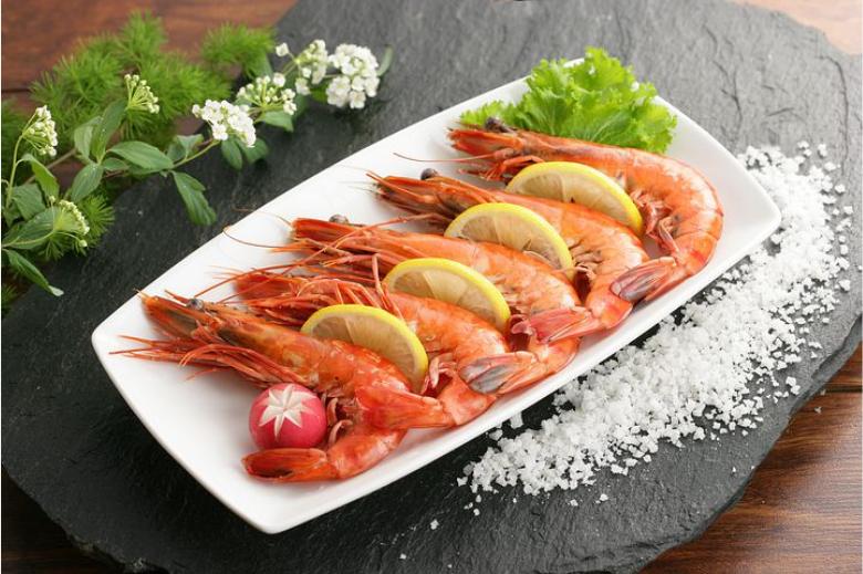露营食物推荐 懒人料理晚餐 盐焗虾