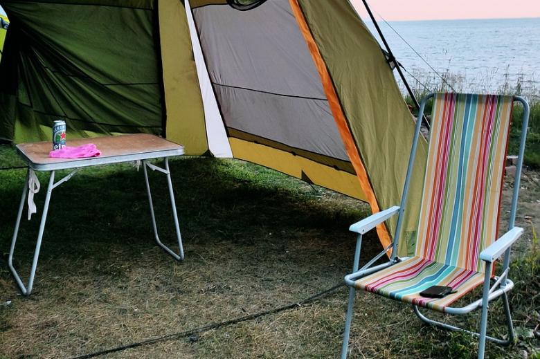 新手露营 工具 桌子椅子